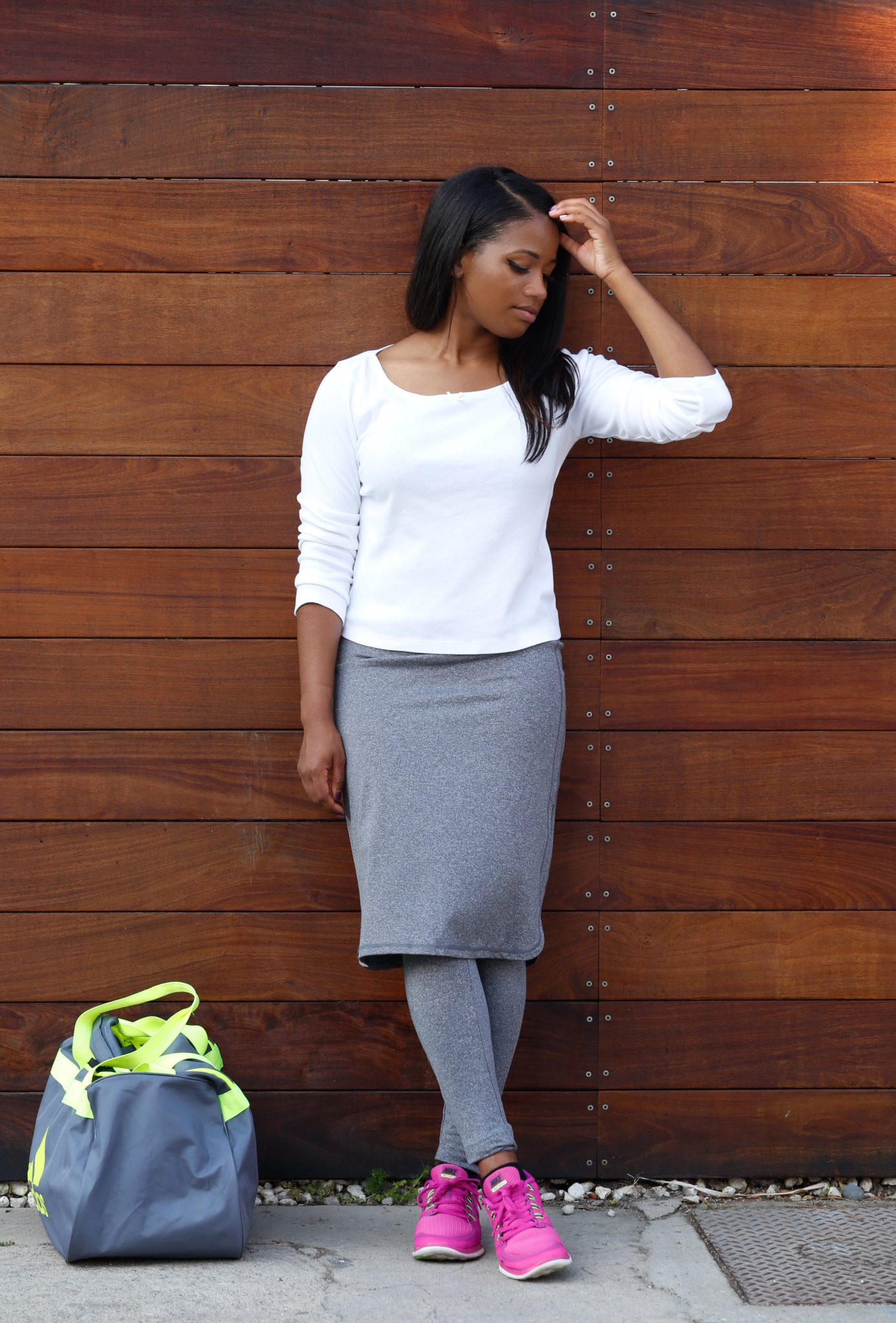 Modest workout skirt from @Snoga review on DowntownDemure.com